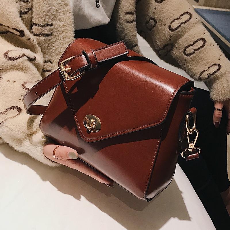 European Fashion Retro Ladies Square bag 2018 New High quality PU Leather Women's Designer Handbag Lock Shoulder Messenger Bags 1