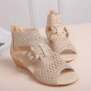Image 5 - Kadınlar roma sandalet Bling yaz ayakkabı kadın moda takozlar burnu açık toka Sandalias Mujer geri fermuar kadın ayakkabı SH022309