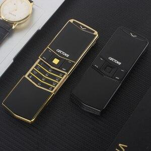 Image 1 - Lüks Telefon Metal Gövde Cectdigi V05 Küçük Mini Çift Sim Flip Slayt Cep Telefonu Bluetooth Sihirli Ses İbranice Rus Telefon