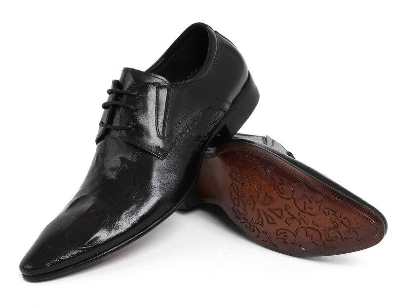 Men's dress shoes alligator pattern