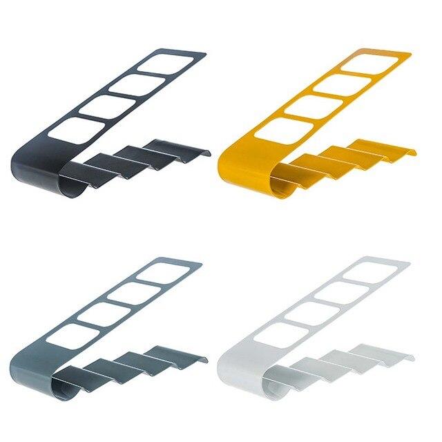 En forma de V de almacenamiento de cuatro marco de hierro forjado ...