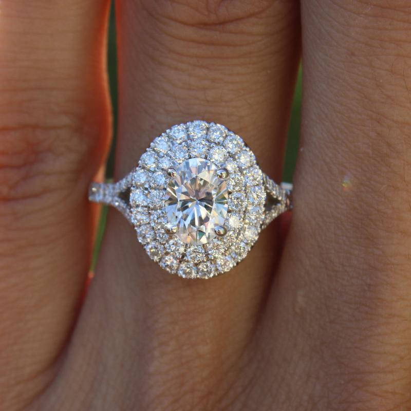 Luxury 1.5ct 8X6 mm Oval Moissanite Halo Ring Oval Brilliant DEF Color VVS1 Solarite With Accents Pave Setting For Women