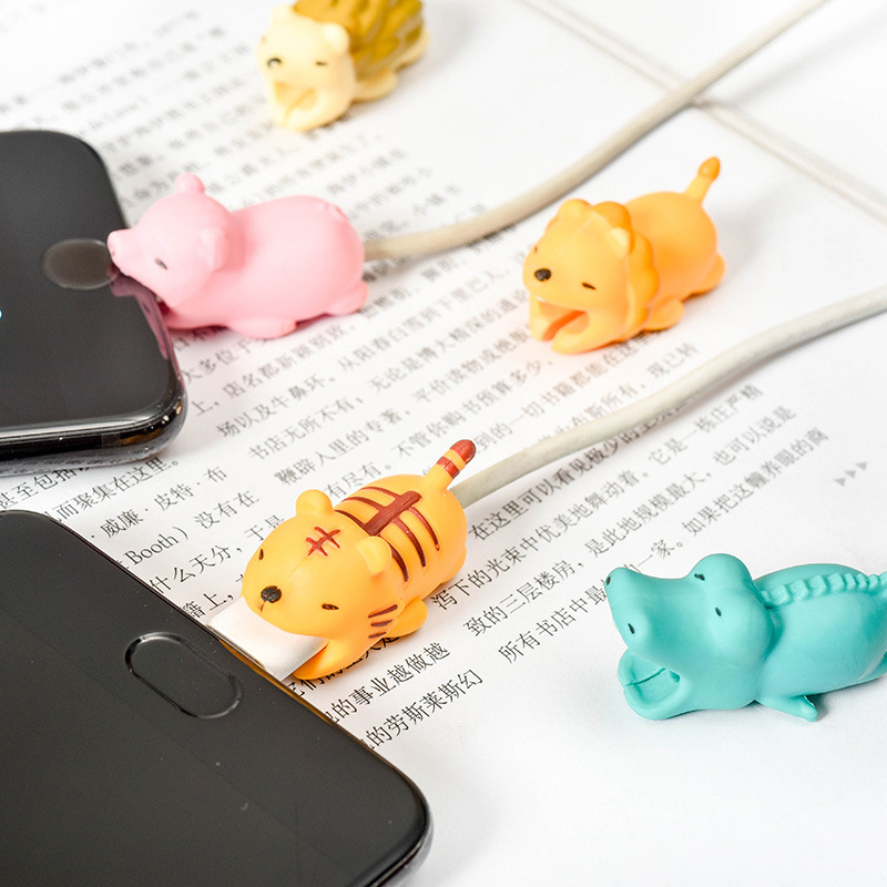 Japanese Desk Office Accessories Three-dimensional Cartoon Data Line Protection Jacket Cute Animal Modeling Anti-break Animals