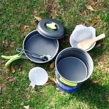 8Pcs Non Stick Outdoor Cooking Set With Stainless Steel Cutlery
