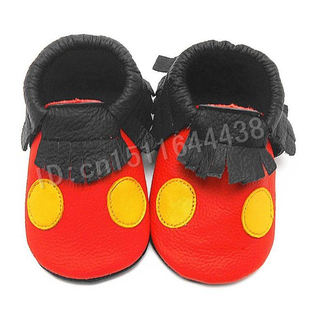 2016 Nueva Mano de Cuero Genuino Mayor Franja de Lunares del Arco Mocasines bebé Sofe Suela Zapatos de Bebé Primer Caminante Del Bebé Recién Nacido zapatos