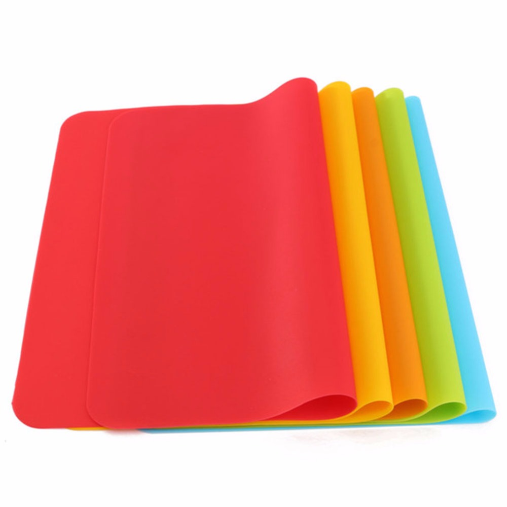 2017 40x30cm Silicone Mats Baking Liner Best Silicone Oven Mat Heat Insulation Pad Bakeware Kid Table Mat Hot Sale(Random Color)