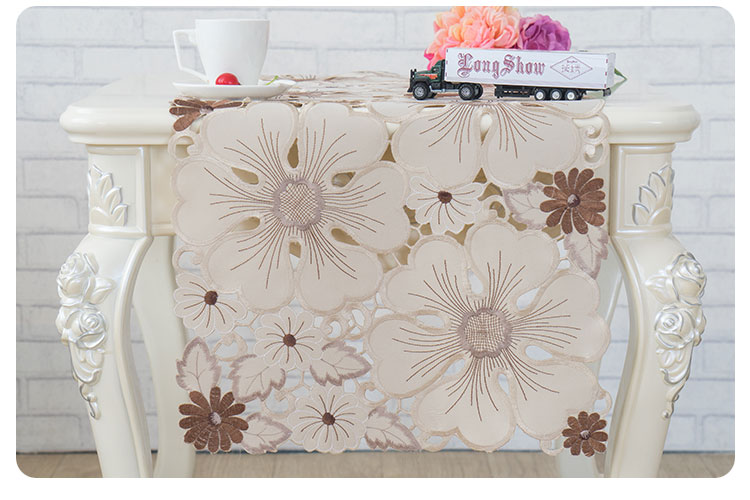 cutwork table runner (2)