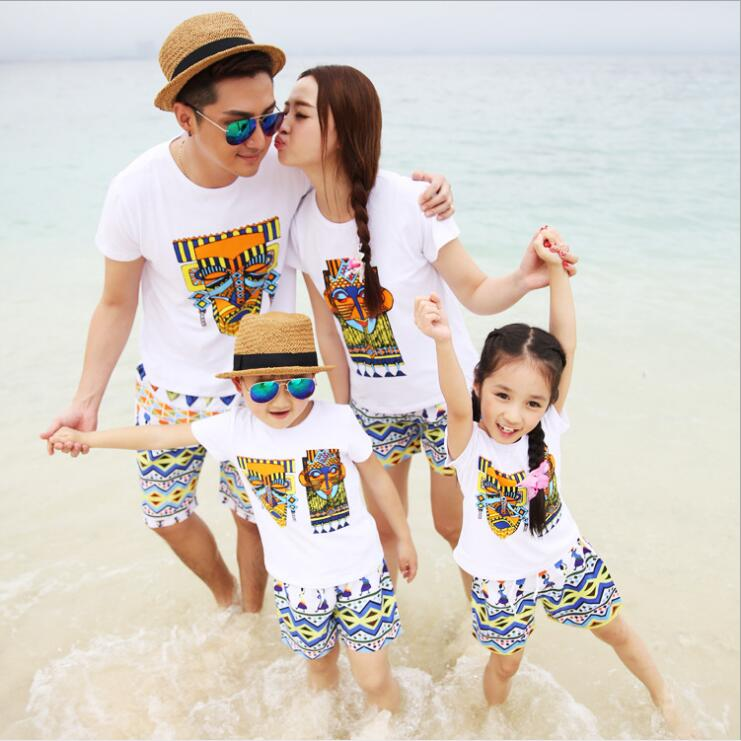 2017 spring family matching clothes father mother and son daughter clothing set kids white printed t shirt and short 2pcs 3-10T