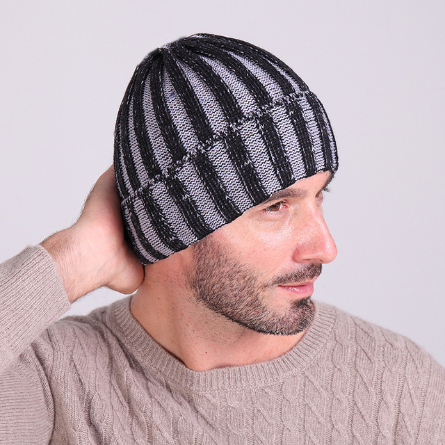 Fashion Winter Wool Hats Mens Outdoor Warm Knitting Hat Man High Quality  Stripe Beanies Hip Hop Street Skullies Masculino Gorras fbe71081c2b