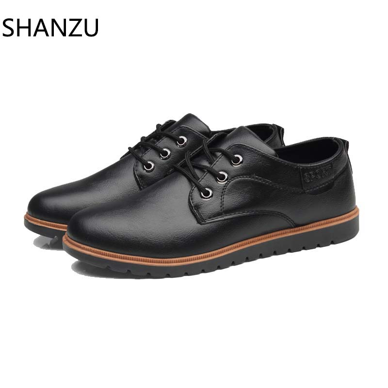 Fashion Men Shoes Patent Leather Men Dress Shoes Brand Luxury Men's Business Casual Classic Shoes Man