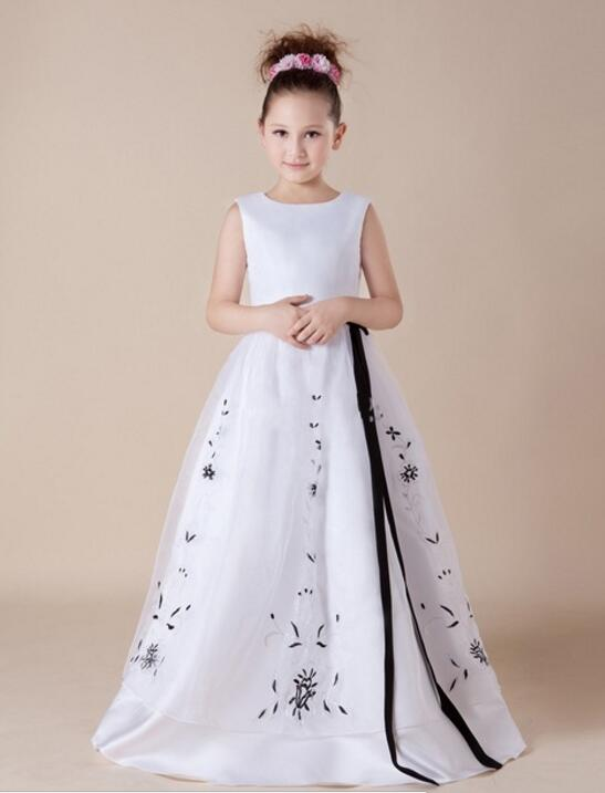 White A Line Flower Dresses Black Liques For 12 Year Old Wedding Long Kids Evening Gowns Spring Pretty M2336 In From