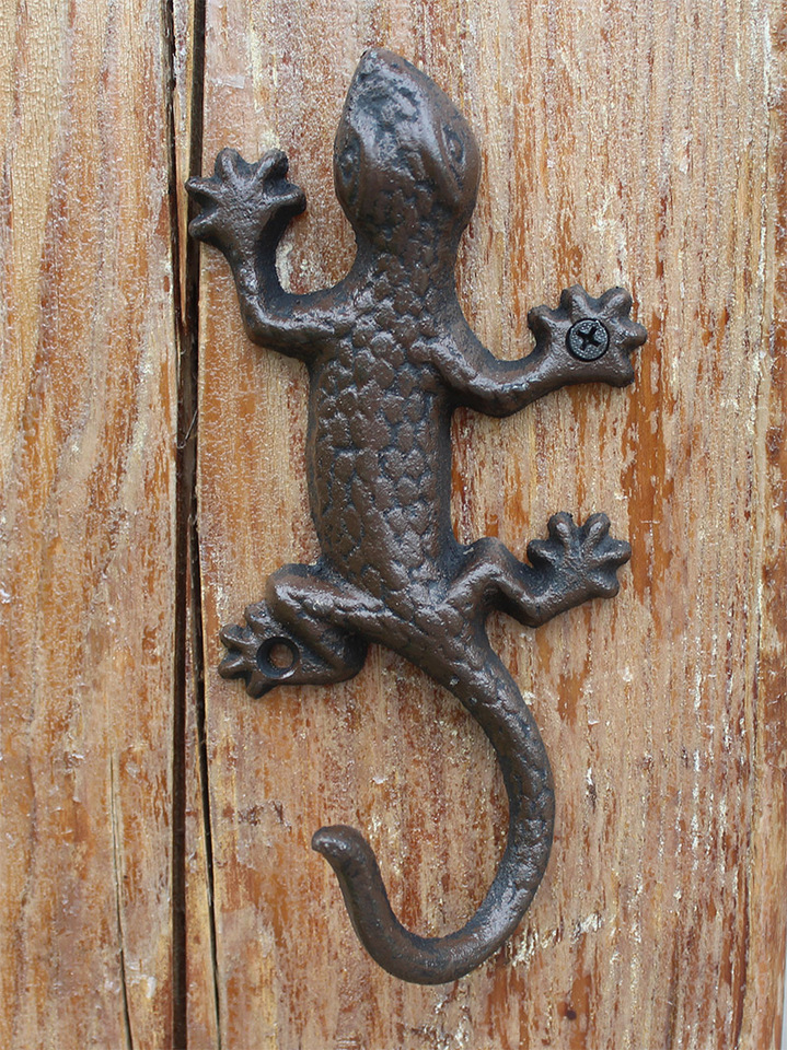 Vintage Rustic Iron Accents Gecko Wall