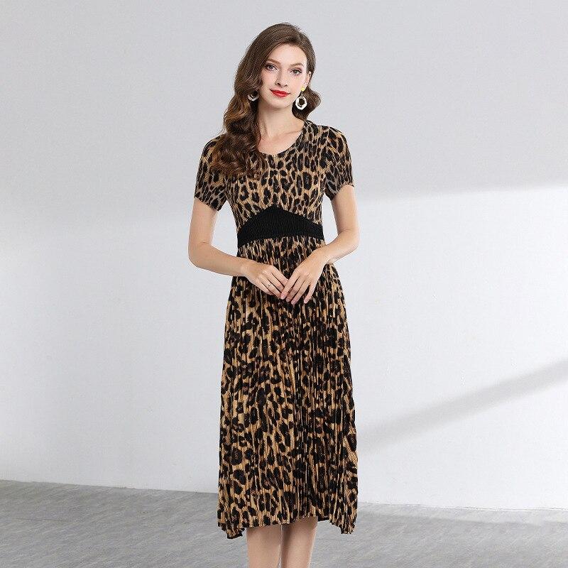LANMREM haute qualité 2019 été mode nouveau léopard impression à manches courtes robes pour femmes tempérament pelé vêtements YH360-in Robes from Mode Femme et Accessoires on AliExpress - 11.11_Double 11_Singles' Day 1