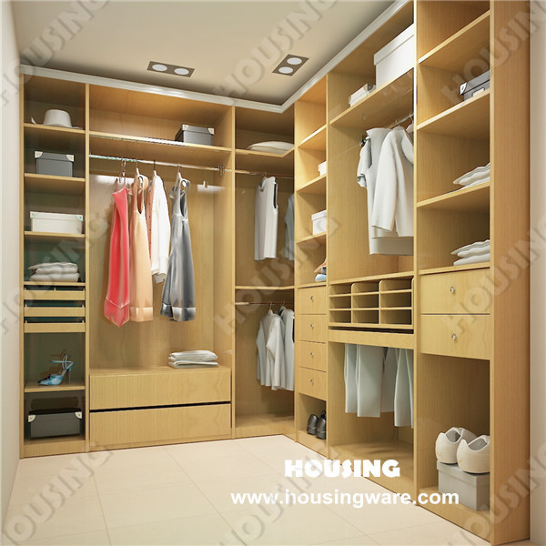 Modern bedroom wardrobe walk in closet design