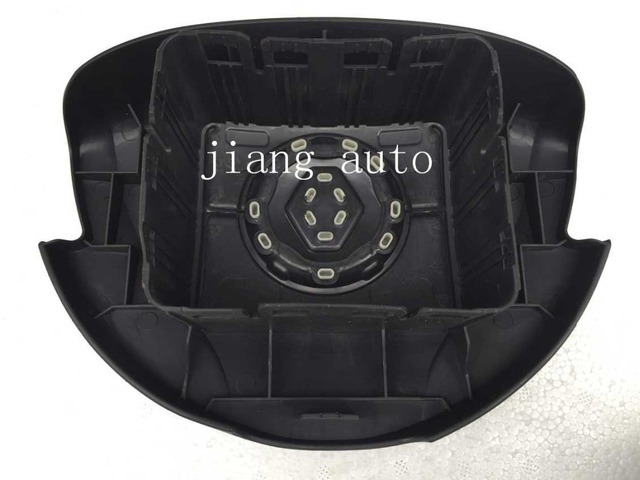 Airbag cover suitable for Logan, the steering wheel airbag cover Main cover main air pocket Free shipping, free delivery flag