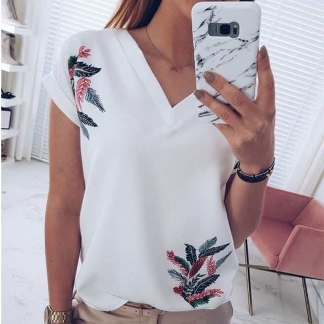 DeRuiLaDy 2019 Summer Women V Neck Short Sleeve T Shirt Fashion Print White Pink Wild Top Ladies Tee T Shirts Tops