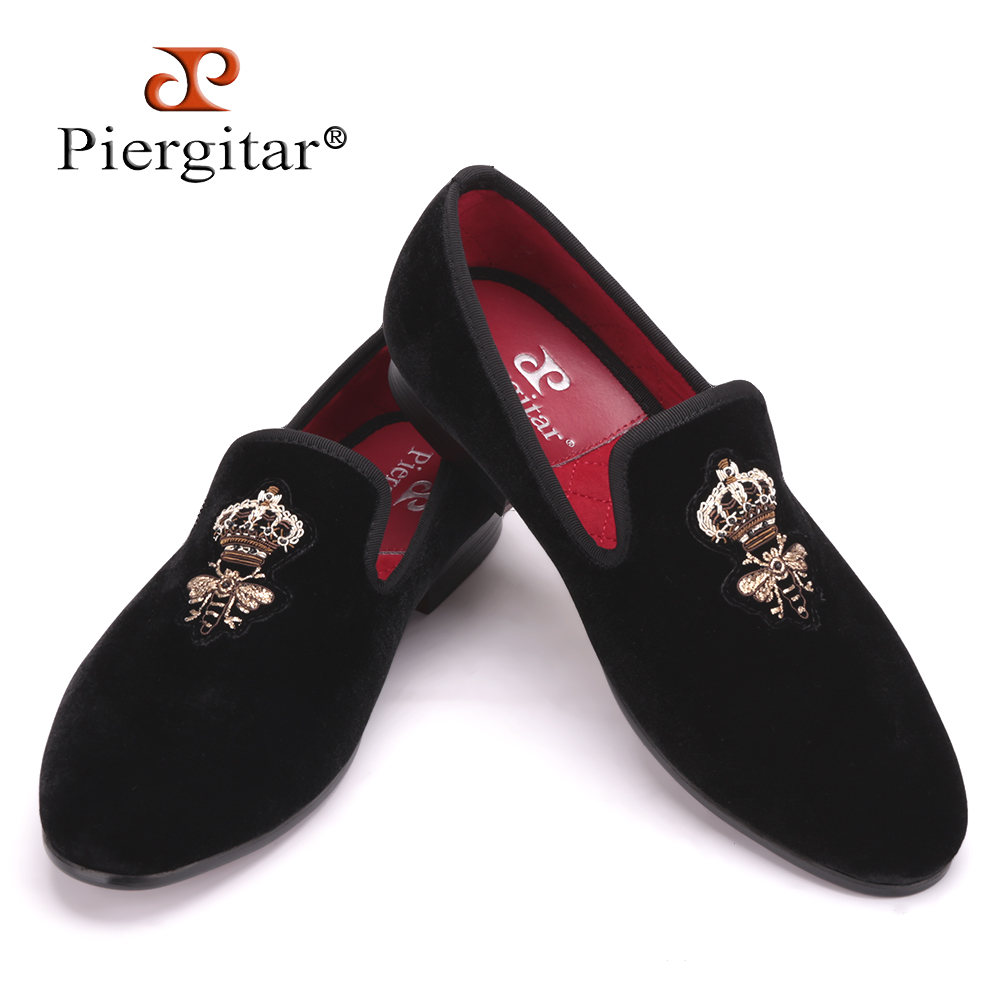 Piergitar Bees Indian silk embroidery men velvet shoes fashion Men Loafers wedding and party male shoe