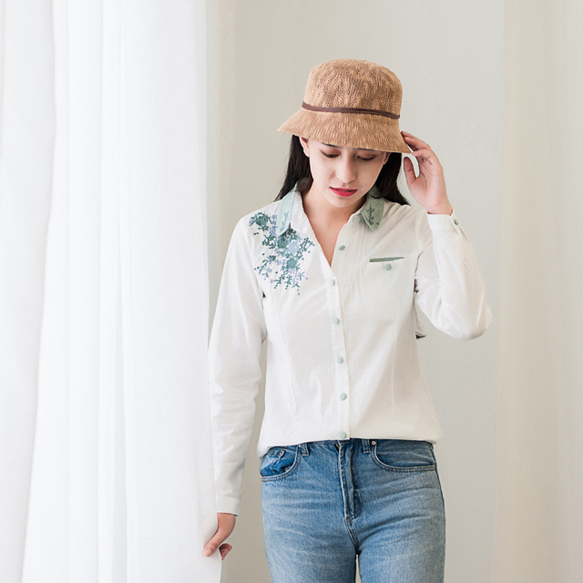 Floral Embroidery White Blouse 3
