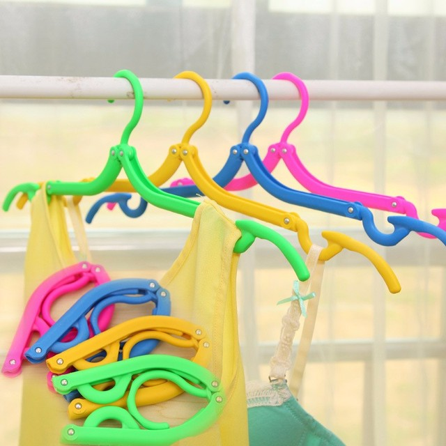 Foldable Plastic Clothes Hangers – 5 Pack