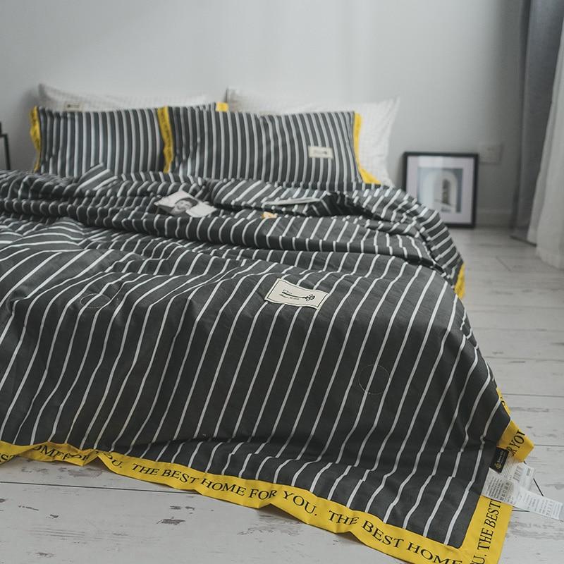 Home Textile Letters Bed Cotton Quilt Comforter Washable Quilted Lightweight Adult Polyester Fiber Filling Duvet Summer