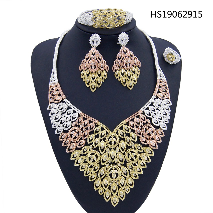 Yulaili 2019 African High Quality Jewelry Leaf Shape Crystal Pendant Necklace Earrings Silver Color Plated Dubai Jewelry Sets in Jewelry Sets from Jewelry Accessories