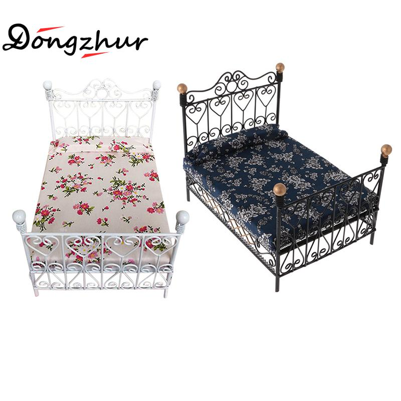 1pc Doll Furniture 1:12 Dollhouse Miniature Furniture Accessories European Style Iron Double Bed Mini Doll Furniture Accessories new iron art miniature mini flower stand chair kids toys furniture white 90 74mm for 1 12 dollhouses model accessories wwp5566
