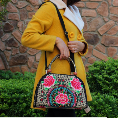 New Fashion Embroidered Womens Shopping bags!Hot All-match Vintage embroidery shoulder&Crossbody bags Top Multi-use Carrier