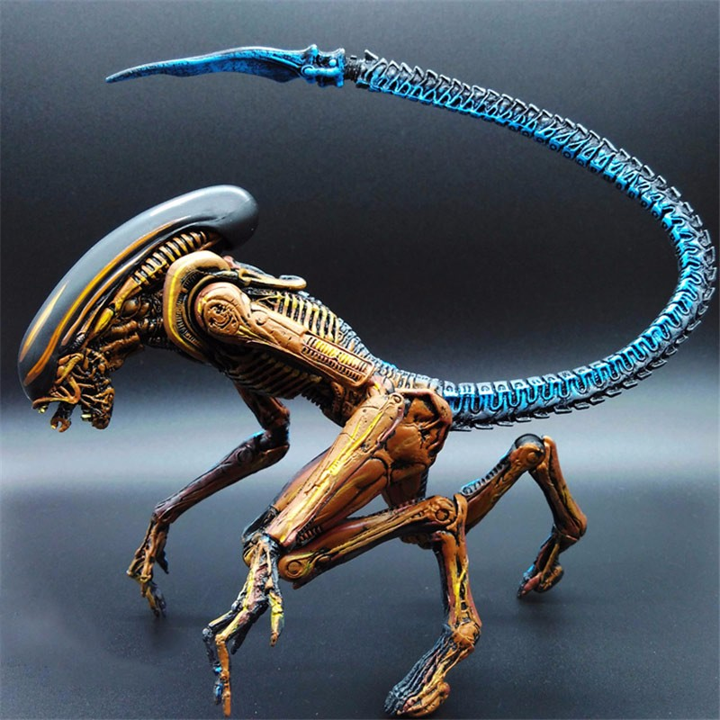 18cm Original NECA Toy Aliens Blue Alien Xenomorph Figma Predators Riple Superman Action Figure Collectible Model Toy Doll Gift