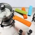 Cocina único Bote De Silicona cubierta del apretón de la Manija de la Cacerola cacerola guantes Manga Titular Antideslizante caso Venta Caliente cocina utensilio