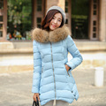 2017 Nuevas chaquetas de invierno de las mujeres 5 colores casual largo sección cuello de piel caliente abajo algodón de la capa con capucha de moda bolsillo de la cremallera chaqueta