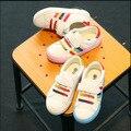 Crayón primavera otoño nuevos zapatos blancos transpirable zapatos de cuero del arco iris de colores niños, niños y niñas zapatos de una generación de grasa