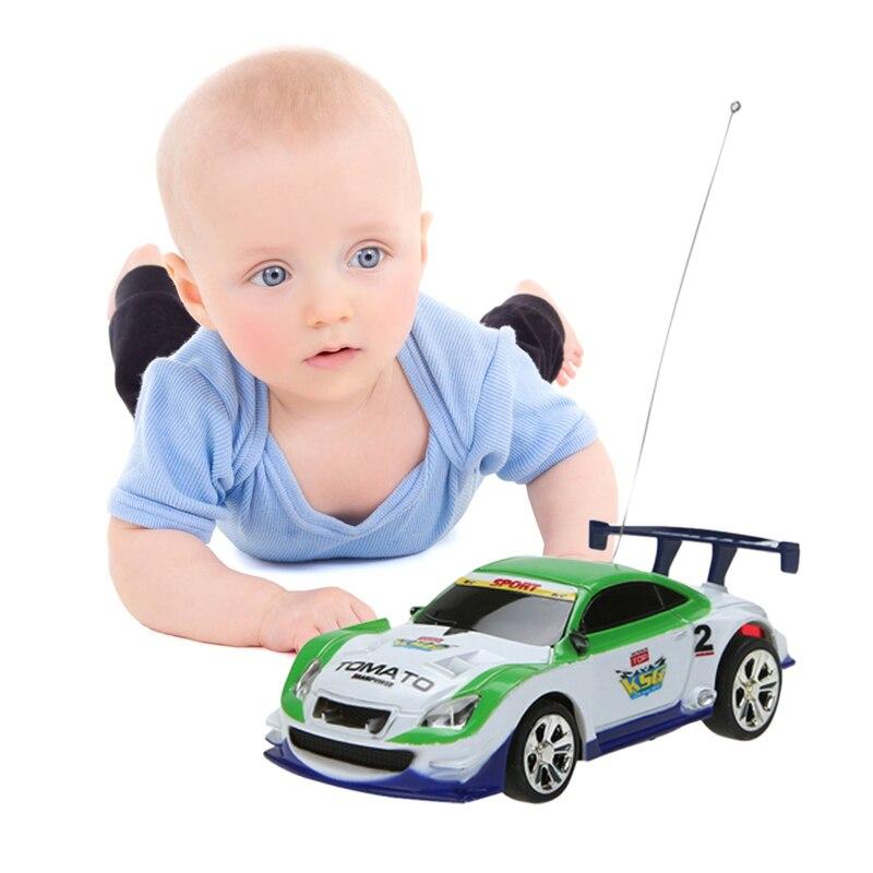 Multicolors Mini 1:58 Coke Peut RC Radio Télécommande Micro Racing voiture de Jouet avec 4 pcs Route Blocs RC Jouets Enfant Jouets Cadeaux