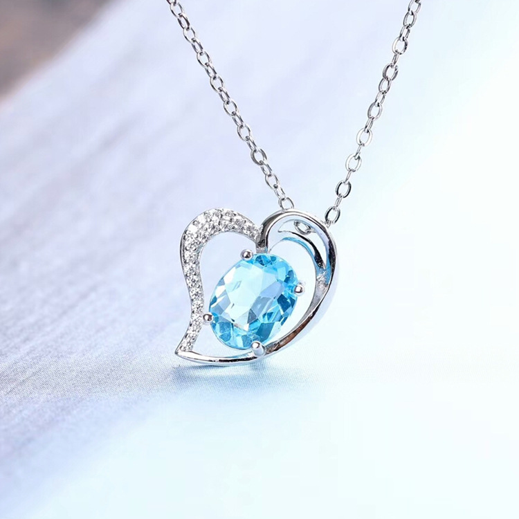 Heart-shaped gemstone pendant s925 silver inlaid natural topaz pendant necklace