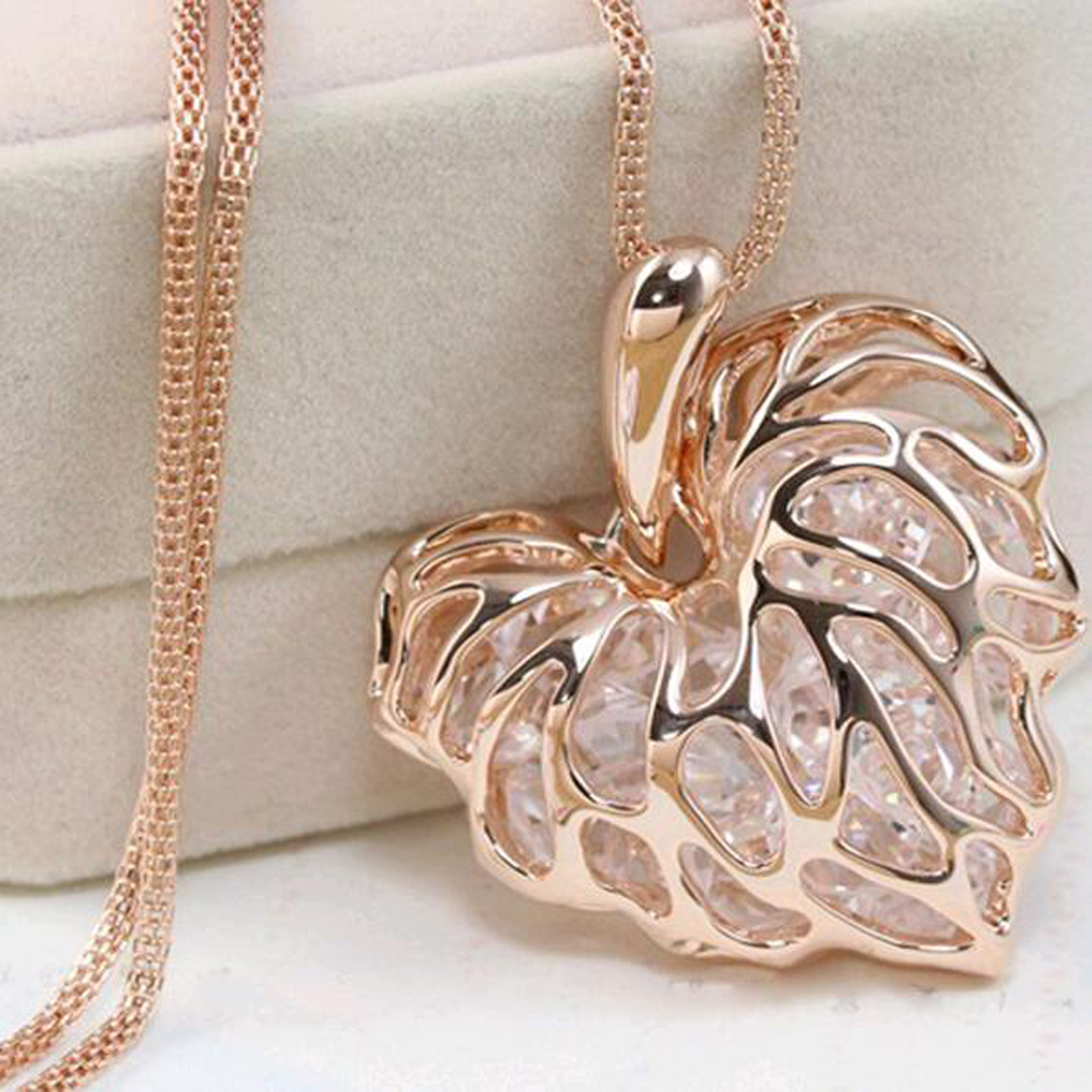 FAMSHIN Recently, a woman full of gold silver heart-shaped crystal rhinestone pendant necklace sweater long chain necklace