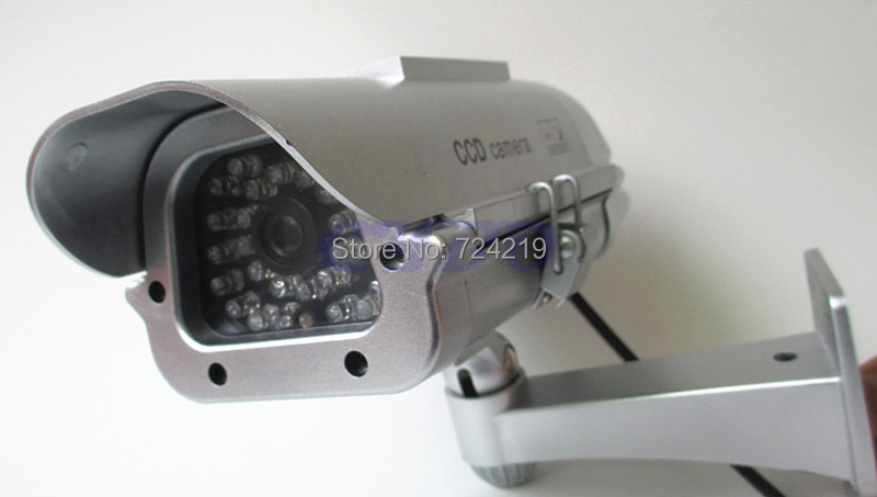 New Solar Powered battery Outdoor Indoor CCTV Security Fake Dummy Camera RED IR LEDS Lights free shipping