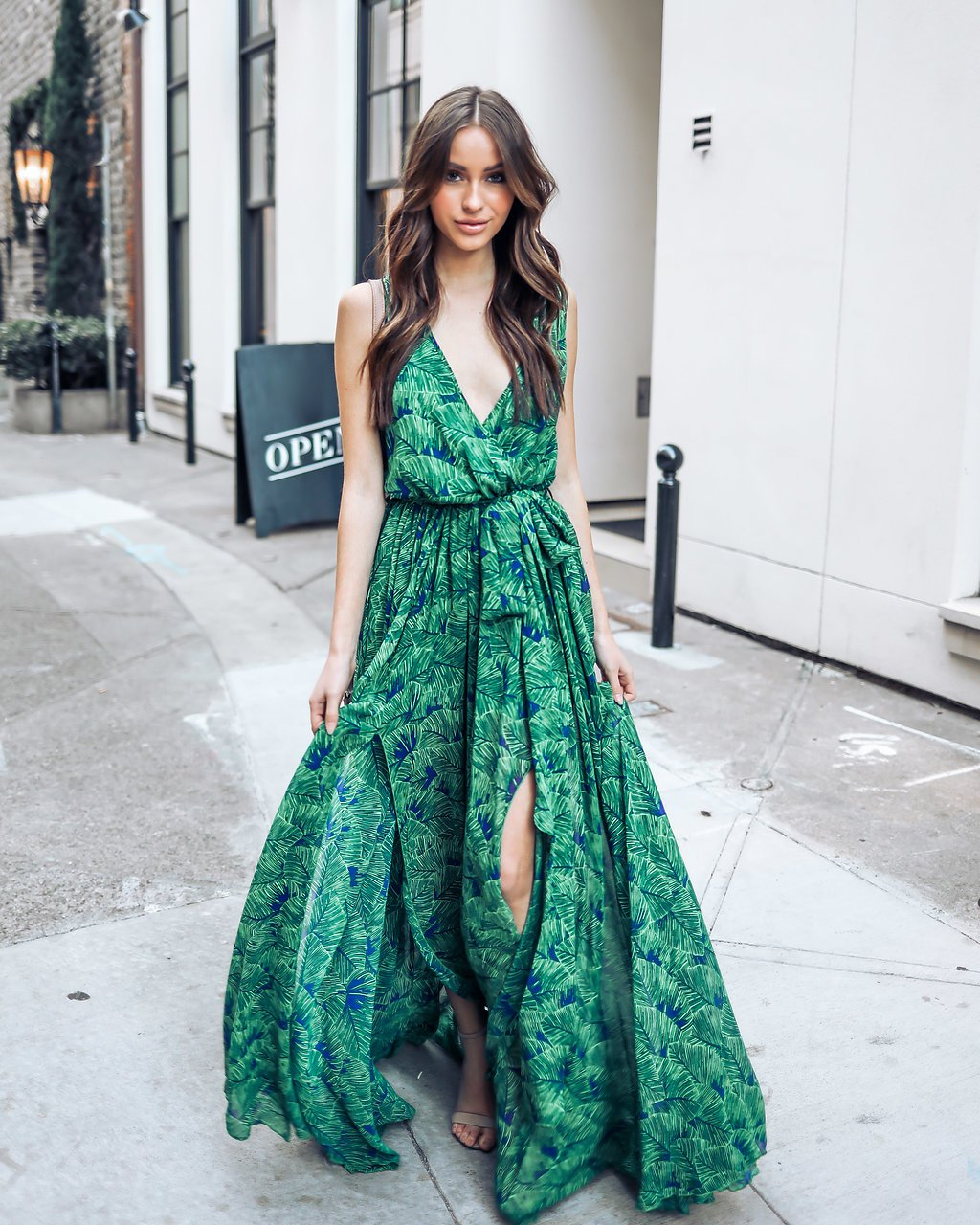 2faa8e64b9 2019 Women s Long Maxi Green Dress Sleeveless V-neck Chiffon Dress Empire  Wrap Long Dress