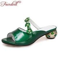 FACNDINLL estate scarpe di vernice fiori fretwork tacchi vestito dal partito scarpe donna spiaggia del sandalo degli alti talloni dolce signora pantofola