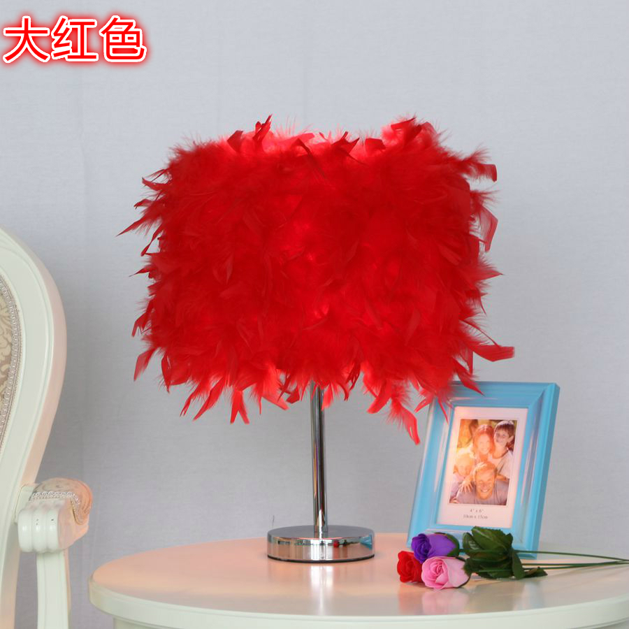 ФОТО Romantic Colourful Feather Shade Metal Vintage Antique Elegant Table Lamp Bedside Desk Light Home Bedroom Reading Lamp Princess