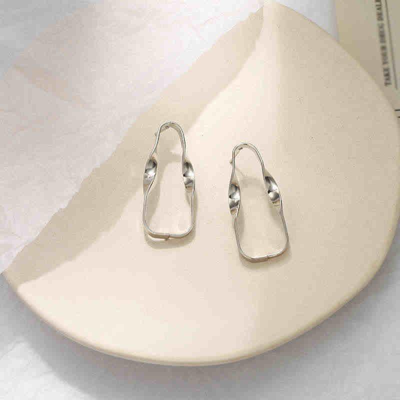 New Fashion Stud Earrings For Women 2019 Trendy Personalized Ear Jewelry Golden Silver Color Hollow Geometrice Earrings