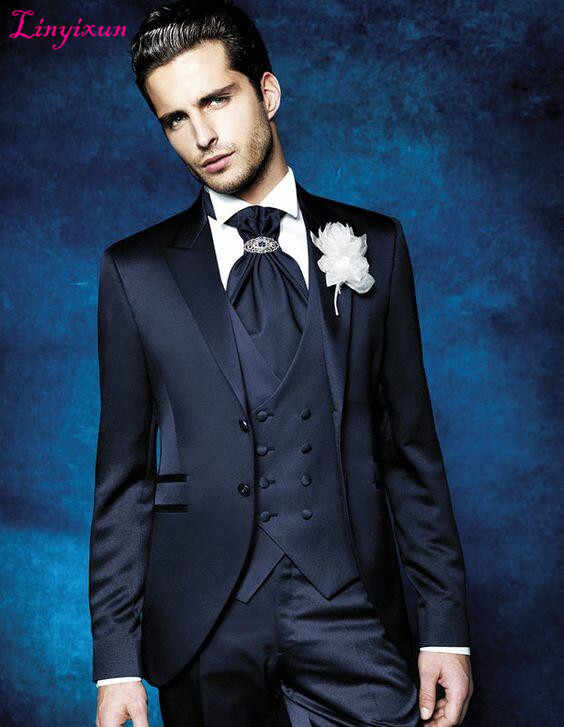 Linyixun 2017 أحدث معطف بانت تصاميم الدعاوى البحرية الزرقاء لحمي الرجال زفاف العريس الرسمي لطيف موسيقية مخصصة 3 قطعة سترات
