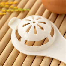 Plastic E gg White Yolk Device Separator Practical Kitchen Utility Tool  Egg Separators 80
