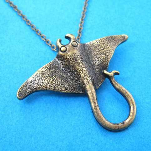 Kinitial 1 sztuk żądło Ray morskie stworzenie zwierząt naszyjnik unikalny Ocean Stingray Manta Ray morskie stworzenie wisiorek urok naszyjnik Bijoux