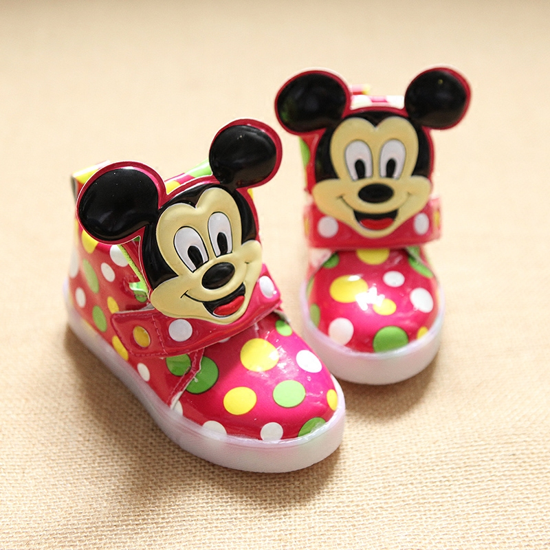 2017-European-fashion-cute-LED-lighting-children-shoes-hot-sales-Lovely-kids-sneakers-high-quality-cool-boy-girls-boots-eu-21-30-5