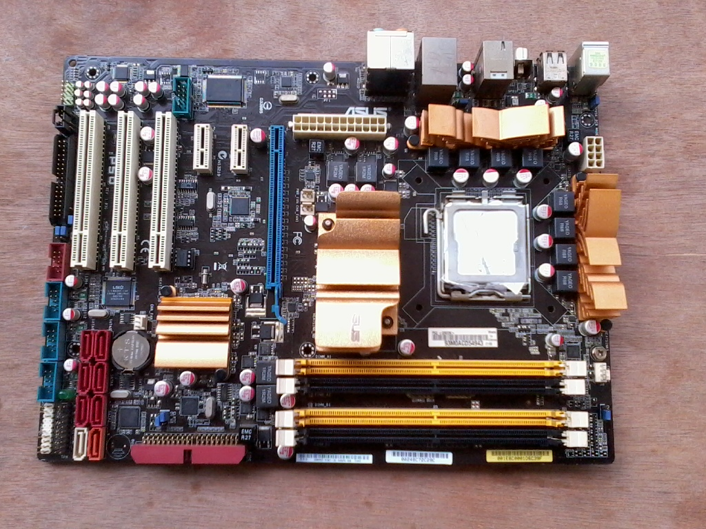 Second-Hand original motherboard for P5Q LGA 775 DDR2 RAM 16GB USB2.0 SATA2 P45 NON-integrated Desktop motherboard Free shipping asus p5q deluxe desktop motherboard p45 socket lga 775 ddr2 16g sata2 usb2 0 atx second hand high quality