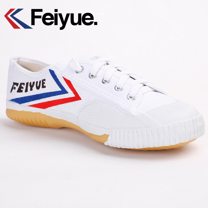 Kung Fu Shoes Classic White Feiyue Shoes Tai Chi Martial Arts Karate Kids Men Shoes Comfortable Breathable Sneaker Feiyue Shoe