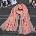 2016 Otoño Nuevas Mujeres de La Moda Bufandas de Viscosa de Color Caramelo Sólido Fino Estupendo Con La Perla de Las Señoras Sun Mantón de la Bufanda de Accesorios