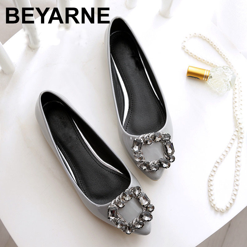 BEYARNE Women flats PU patent leather shoes New fashion pointed Toe crystal diamond  Women casual flat heel shoesBEYARNE Women flats PU patent leather shoes New fashion pointed Toe crystal diamond  Women casual flat heel shoes