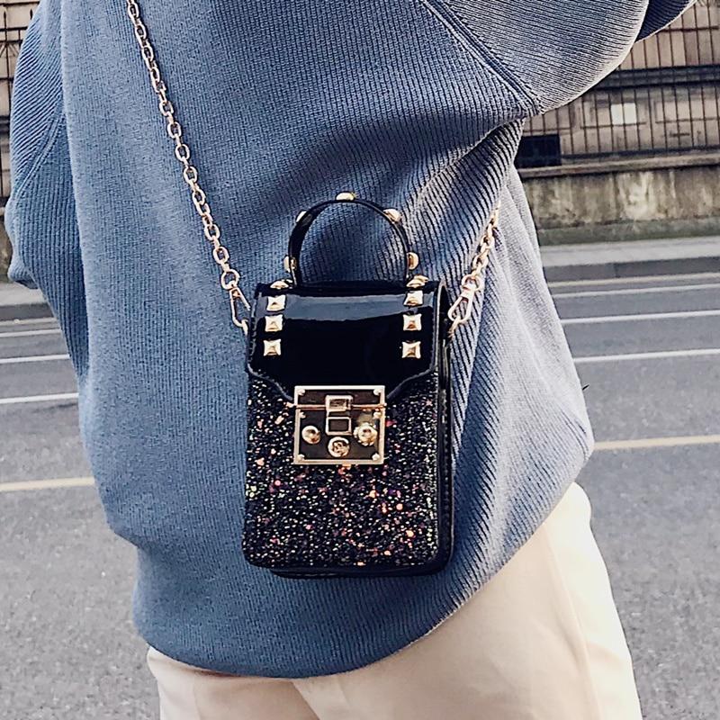 2020 New Casual Women Handbags, Rivet Chain Bag, Trend Korean Version Shoulder Bag, Fashion Woman Messenger Bag.
