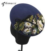 قبعة فيبوناتشي 2018 الجديدة ذات الجودة الانيقة للاناث ، قبعات صوف مطرزة بالأزهار ، قبعات الخريف والشتاء للنساء