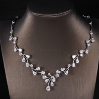 Hot European Design AAA CZ Zirconia Simple Delicate Leaf Wigs Short Necklace And Earrings Jewelry Set